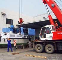 大型注塑机吊装卸车