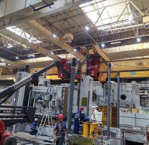 工厂大型机械安装